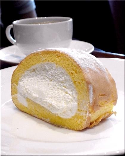 伏見 モン シュシュ 伏見・堀川沿いにモンシェールが新業態カフェ 「堂島ロール」のクリーム使った新商品も