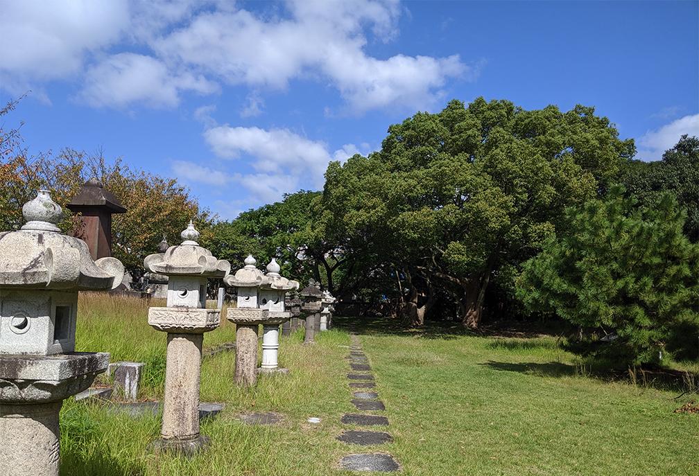 2福岡藩主黒田家墓所