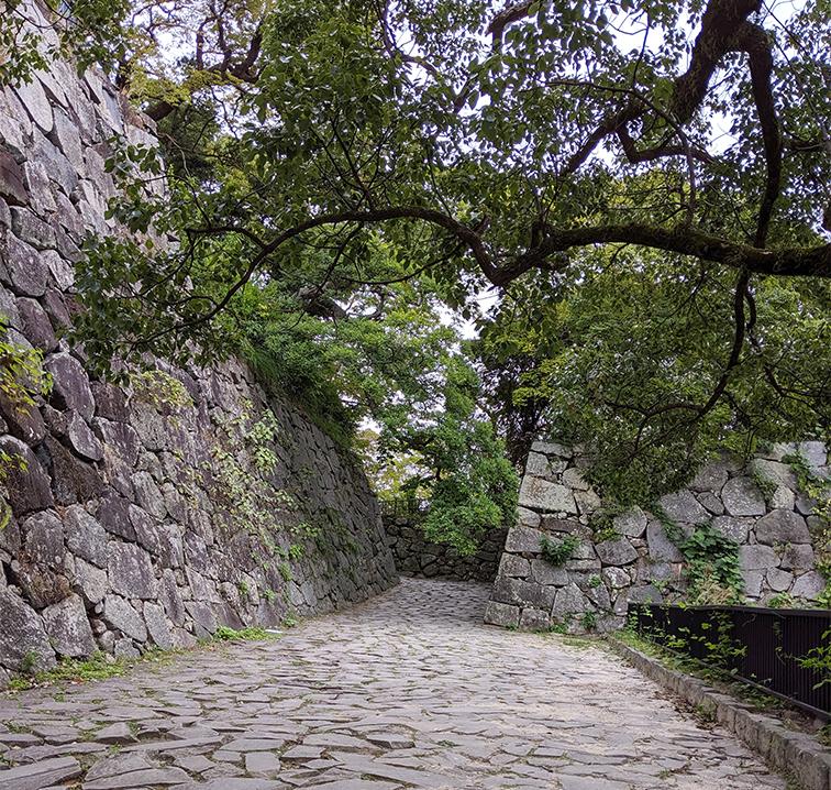3福岡城天守へ