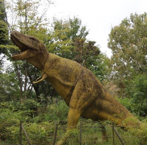 恐竜もいます