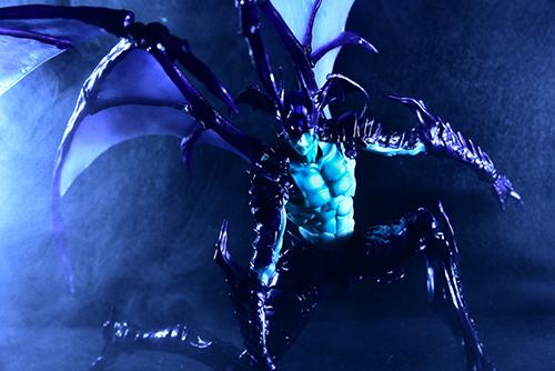 ツバキアキラが撮った、韮沢靖さんデザインのヴァリアブルアクションヒーローズ デビルマン Ver.Nirasawa2016。スモーク撮影をしてみました。