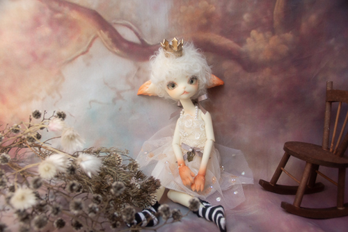 DOLLZONE・Miss Kittyのジーナ。ホワイト・プリンセスに変身しました。