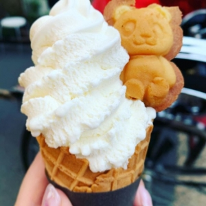 パンダソフトクリーム ストロベリー