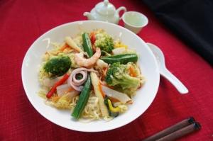 成城石井自家製 1日の1/2の野菜が摂れる!3種海鮮と7種野菜の焼きそば