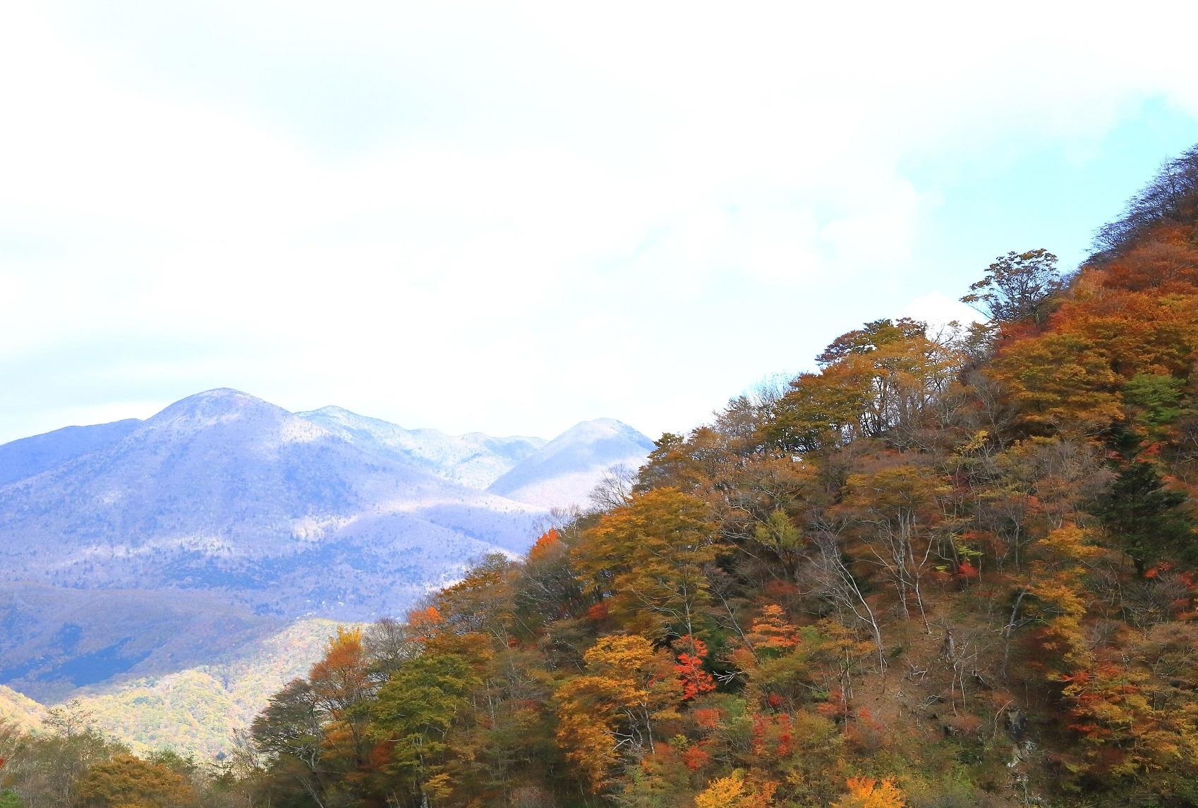 ブログ 那須岳を望む.jpg