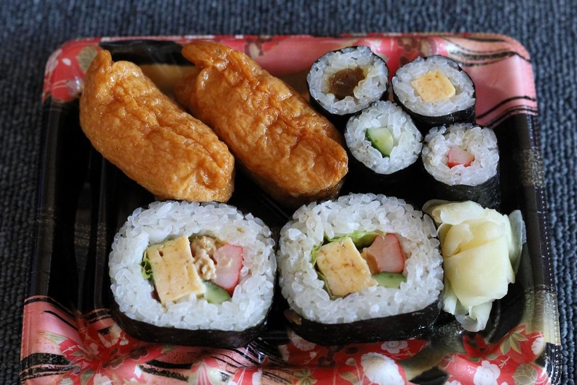 スーパーの寿司.jpg