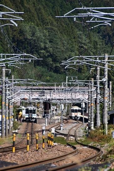 2019年10月16日撮影 奈良井駅にて211系と313系の交換