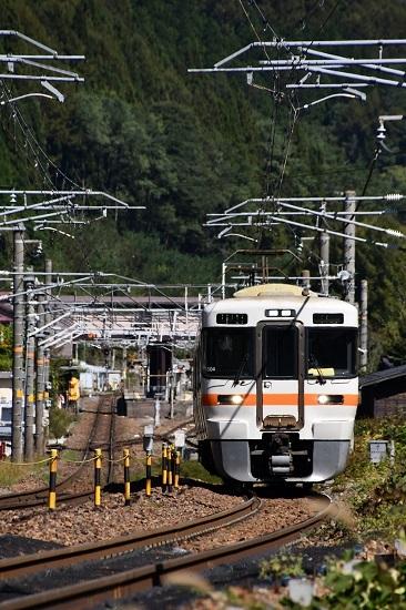 2019年10月10日撮影 1826M 313系 奈良井駅発車して
