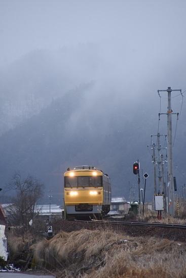 2020年2月23日撮影 高山本線 キヤ95 DR2編成 飛騨古川ストレート
