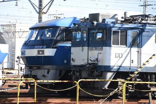 2019年12月28日 EF64-1005号機とEF210-10号機の並び
