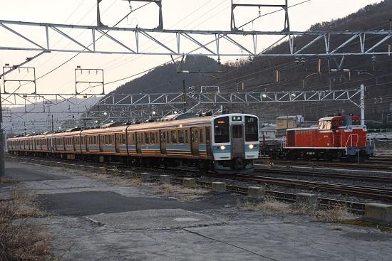 2020年2月25日撮影 塩尻大門にて DD16-11号機と211系
