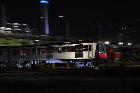 2019年11月15日撮影 都営大江戸線甲種輸送 流し撮り