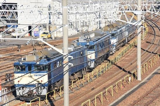 2019年12月29日撮影 稲沢にて陸橋からEF64の並び