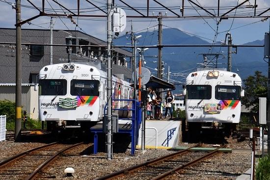 2019年9月14日撮影 アルピコ交通新村駅 3000形並び