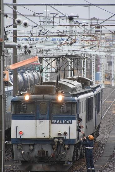 2019年12月30日撮影 南松本にて西線貨物8084レ 無線機渡し