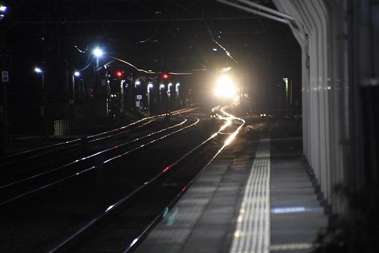 2019年11月16日撮影 富田駅に5283レの灯り