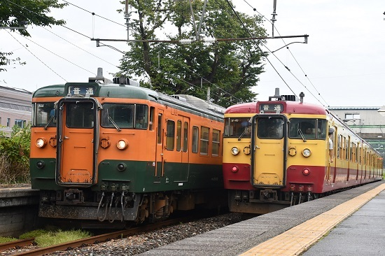 2019年9月21日撮影 小島谷駅にて115系並び