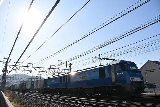 2019年12月15日撮影 東線貨物2083レ ピカっ!