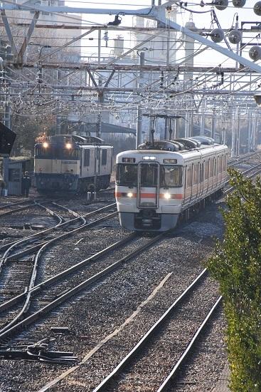 2020年1月11日撮影 南松本にて西線貨物8084レと313系