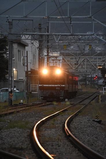 2019年10月7日 辰野駅を発車する旧客返却回送