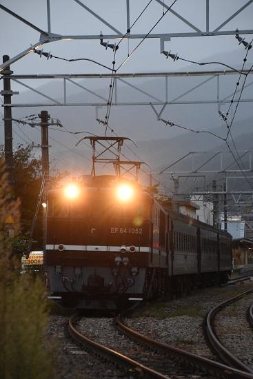 2019年10月7日 EF64-1052号機が牽く旧客返却回送