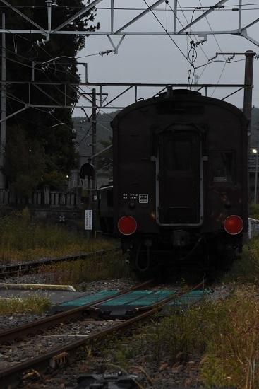 2019年10月7日 辰野駅にて旧客返却回送を後撃ち
