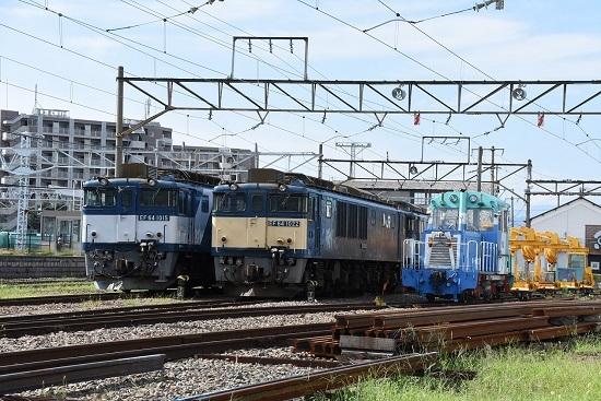 2019年8月24日撮影 EF64-1022号機(原色)とEF64-1015号機
