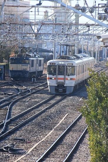 2020年2月1日撮影 南松本にて西線貨物8084レ機回しと313系1700番台