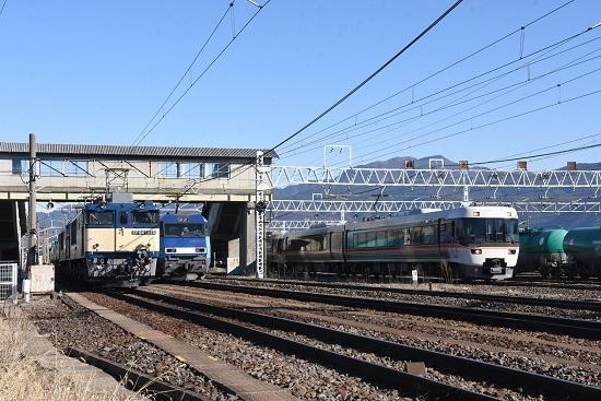2020年2月1日撮影 南松本にて西線貨物8084レ機回しと東線貨物2080レとWVしなの
