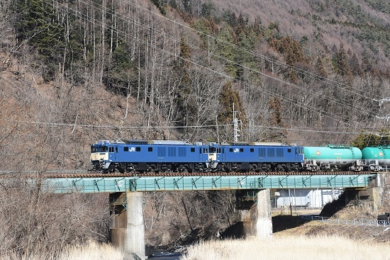 2020年2月1日撮影 西線貨物8084レ 木曽平沢の鉄橋にて