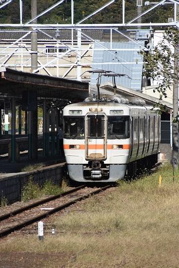 2019年10月13日撮影 辰野駅0番線 313系