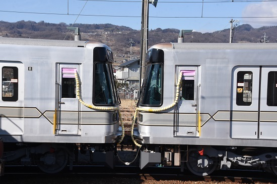 2020年2月2日撮影 東京メトロ03系連結部