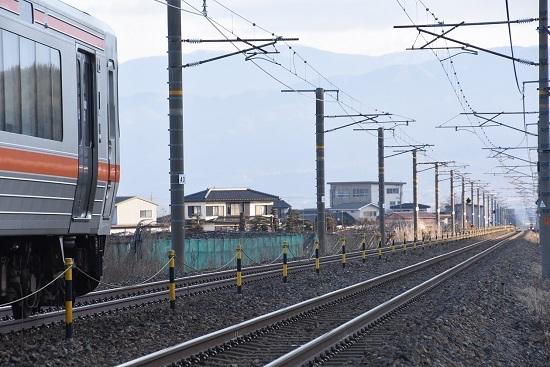 2020年2月8日撮影 西線823M 313系と西線貨物6088レ EF64のライト
