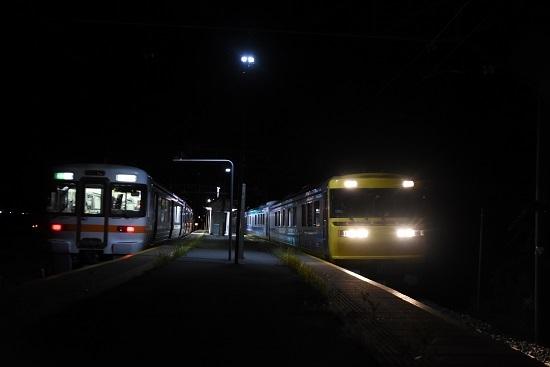 2019年9月6日 伊那新町駅にてキヤ95と313系の並び