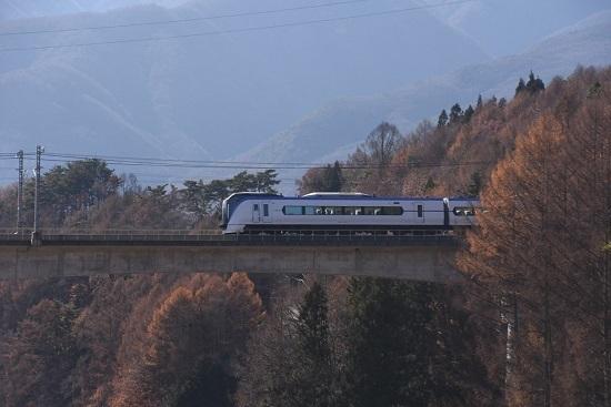 2019年11月30日撮影 16M E353系「あずさ16号」と立場川鉄橋