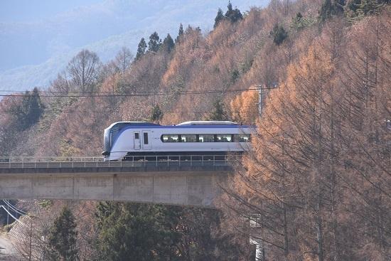 2019年11月30日撮影 11M E353系「あずさ11号」と立場川鉄橋