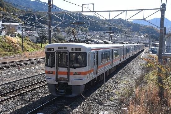 2019年11月10日撮影 木曽福島駅にてお休み中の313系