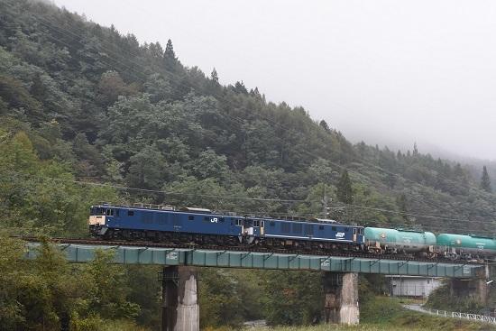 2019年10月18日撮影 西線貨物6088レ 木曽平沢の鉄橋