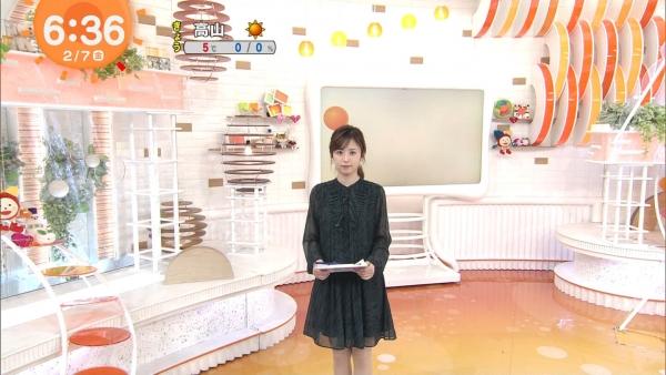 井上清華のニット乳&久慈暁子のミニスカ太もも! (4)
