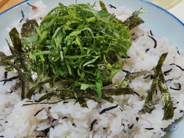 梅ひじきご飯
