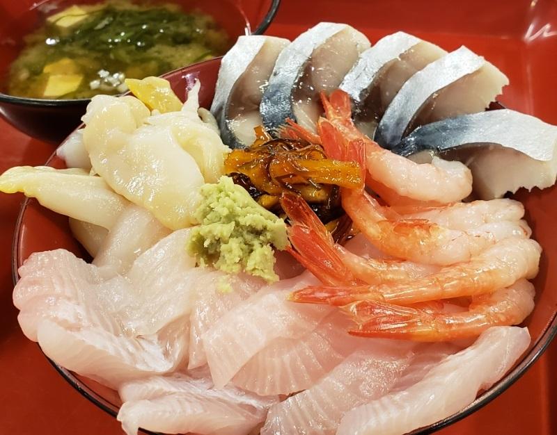 190921八戸市営魚菜小売市場3オリジナル丼