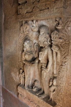 11Batesar temple6-11c2