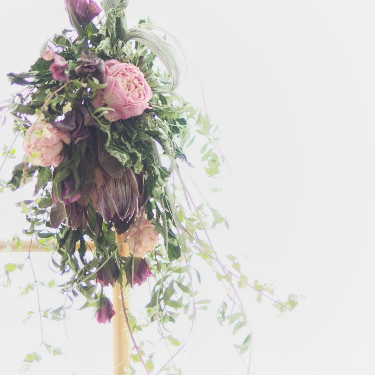 ドライフラワーを花瓶に飾るだけ!インテリア性の高いフラワーベース5選