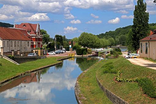 モンバールの街並み 運河
