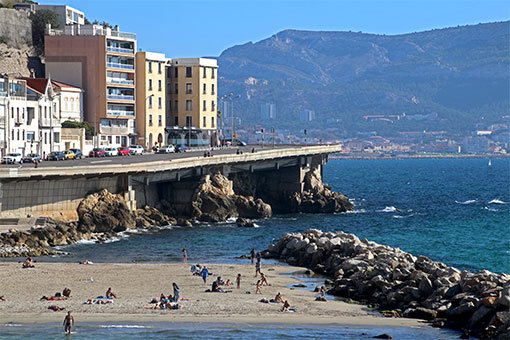 マルセイユ海岸通りとビーチ