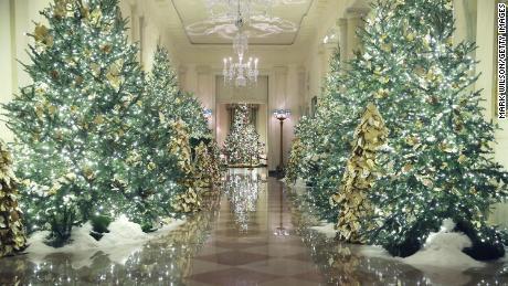 christmastree2019wh.jpg