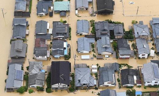 s-大雨で浸水した市街地=佐賀県武雄市で2019年8月28日午後0時3分、本社ヘリから津村豊和撮影(毎日新聞)