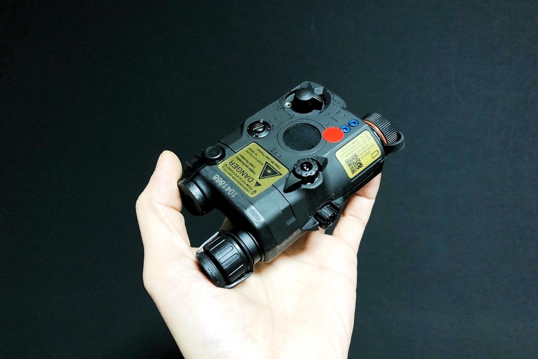 14 FMA 新型 AN PEQ-15 LA5 ATPIAL!! LED & REDLASER & IR タイプ!! HILOGサバゲー仲間の『ロッテリア長尾』へ前倒しの半強制的な誕生日プレゼント!!