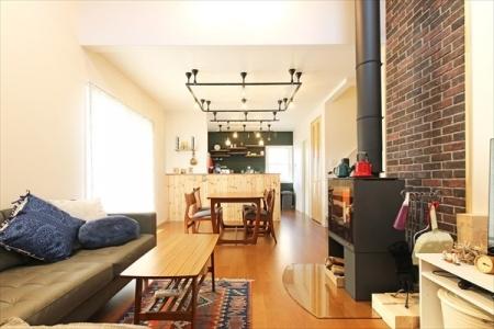 livingroom_swedenhome_bigroof_15 (1)
