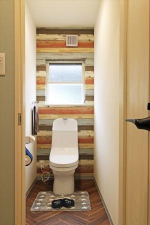 restroom1_swedenhome_surfershouse03.jpg